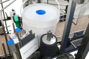 Automatic Buckets labeller Shemesh Automation